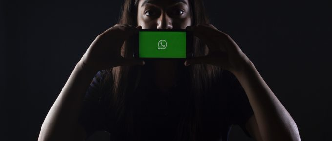 204. Noticias sobre publicidad en netflix- emprendimiento sobre el penco y porque se cayó facebook y whatsapp